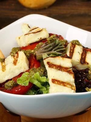 Portuguese Chicken & Haloumi Salad