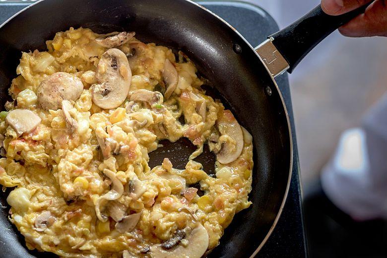 Low Carb Low Fat Scrambled Eggs